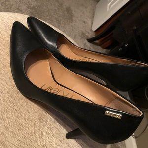Calvin Klein black leather pump